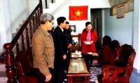 Lãnh đạo Phòng Giáo dục và Đào tạo Quế Sơn cùng Lãnh đạo các trường học thăm và tặng quà Tết cho các Mẹ Việt Nam Anh hùng nhân dịp Tết Mậu Tuất - 2018