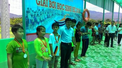 Giải Bơi học sinh hè 2016