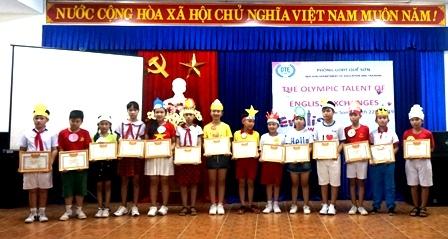 """Giao lưu """"Olympic tiếng Anh cấp tiểu học"""" huyện Quế Sơn năm học 2018-2019"""