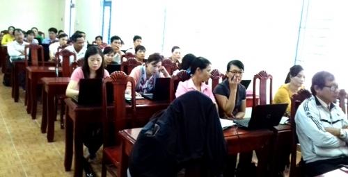 Tập huấn triển khai hệ thống thông tin quản lý rủi ro thiên tai ngành giáo dục huyện Quế Sơn